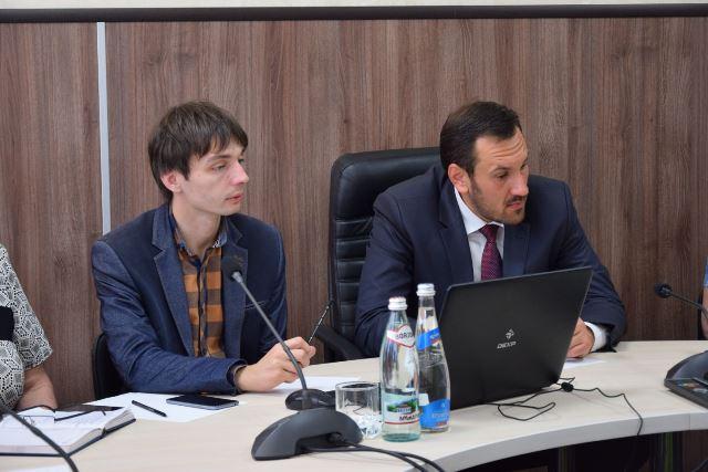 Председатель Госкомрегистра Александр Спиридонов провел прием граждан в Красногвардейском районе